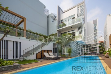 Villa for rent in Phu My Hung
